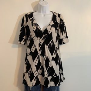 Black and white print top by NY&Co. size small